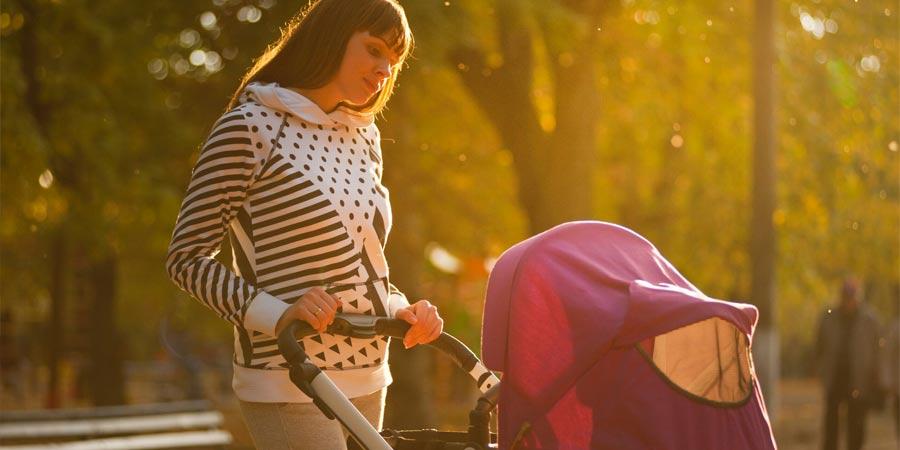Πώς να προστατεύσετε το παιδί σας κατά τους καλοκαιρινούς περιπάτους